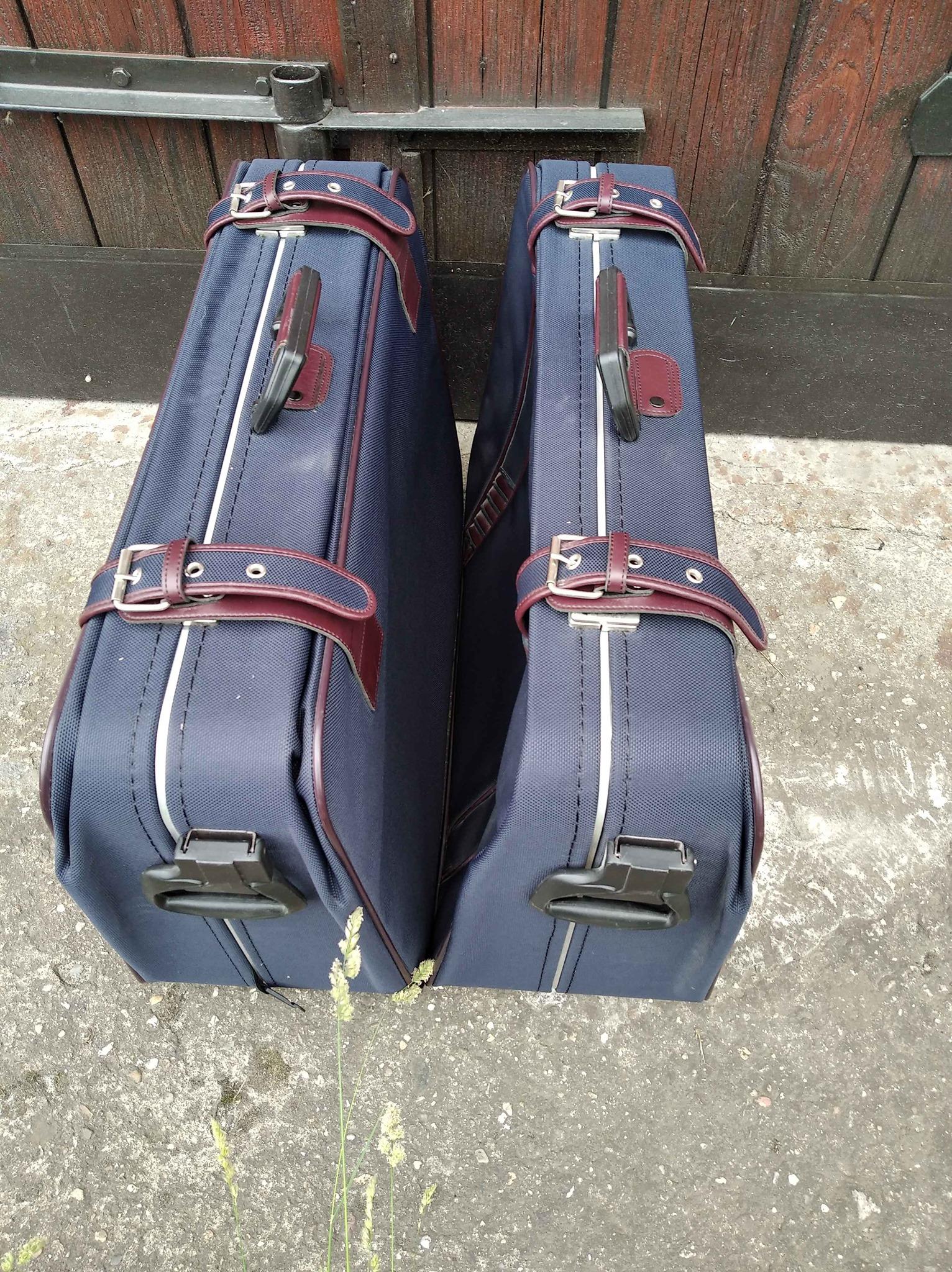 S kufry, batohy, taškami, kufry, balíčky a jejich obsahem zacházíme jako se zavazadly.