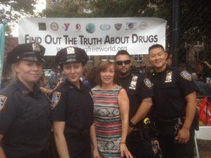 Propagace života bez drog při příležitosti Národního večera New Yorského policejního oddělení