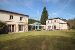 Pronájem luxusní vila 500 m2 s domkem pro hosty 7+1 Praha 6 - Dejvice, ul. V šáreckém údolí