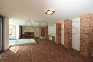 Pronájem luxusní vila 500 m2 s domkem pro hosty 7+1 Praha 6 - Dejvice, ul. V šáreckém údolí, bazén