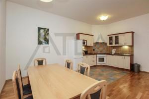 Byt 3+kk na pronájem, 110 m2, Praha 2 - Vinohrady, Mánesova ul kuchyň