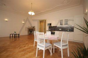 Pronájem čerstvě zrekonstruovaného bytu 2+kk, 78m2 Praha 2 - Vinohrady, Korunní ulice