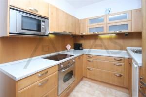 kuchyň - Pronájem bytu 2+kk, Praha 6 Vokovice - Terasy Červený vrch, Irská