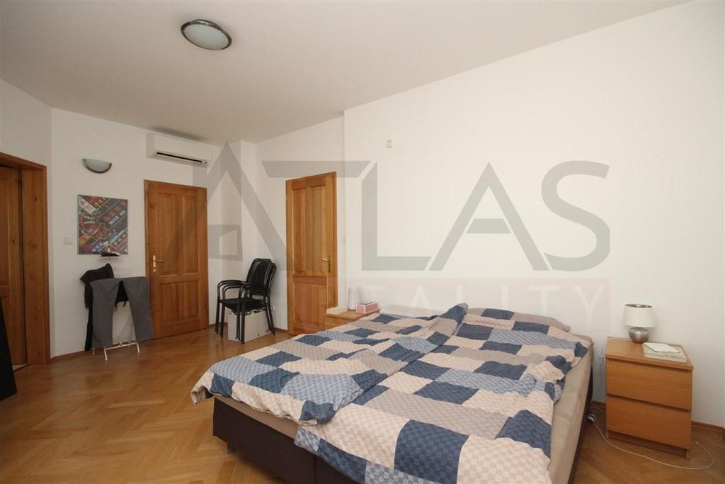 ložnice Pronájem bytu 3+kk 85m2 Sevastopolská Praha 10 Vršovice