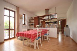 Pronájem zařízeného bytu ve vile 3+kk, 115 m2, Na Julisce, Praha 6 - Dejvice kuchyň
