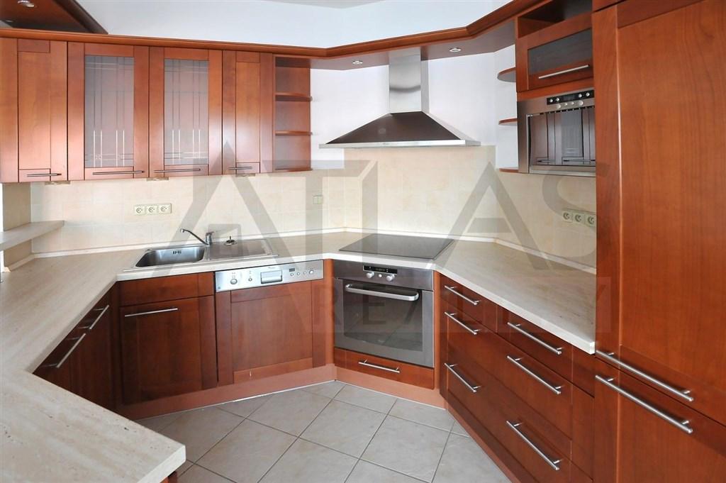 kuchyňský kout Pronájem bytu 3+kk 85m2 Sevastopolská Praha 10 Vršovice