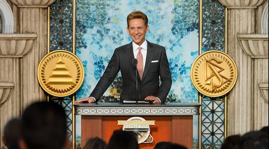 David Miscavige při slavnostní otevření ideální organizace Scientologické církve Kansas City, Missouri