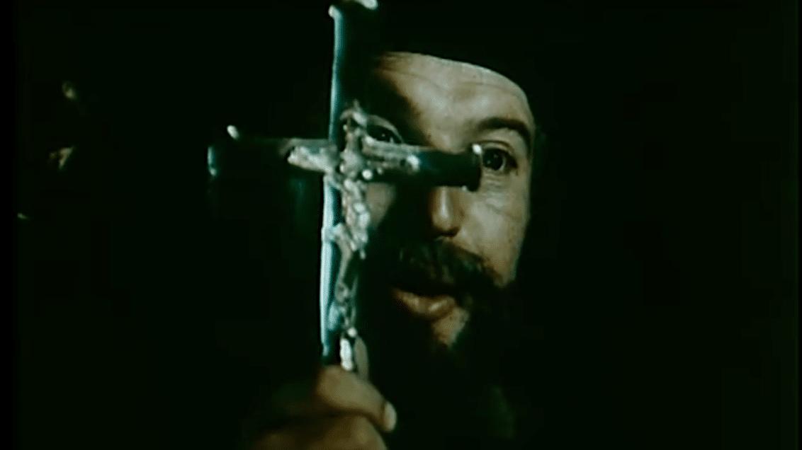 """Albánský protináboženský propagandistický film """"Mesonjtorja""""."""