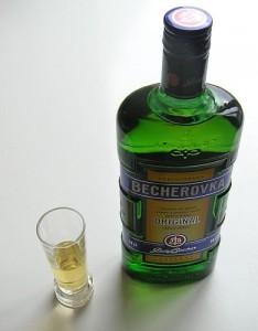 láhev Becherovky
